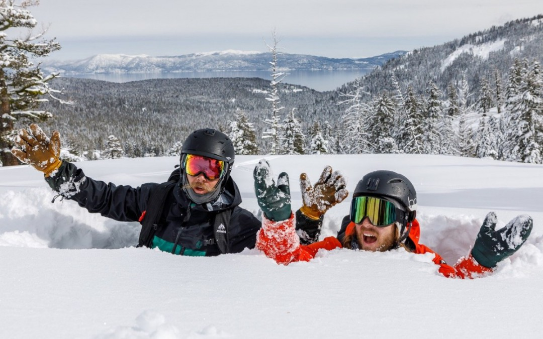 A Guide to 7 of the Best Late-Season Ski Resorts After a season of record snowfall, these resorts are still spinning their lifts. by Dustin Beatty via ASN