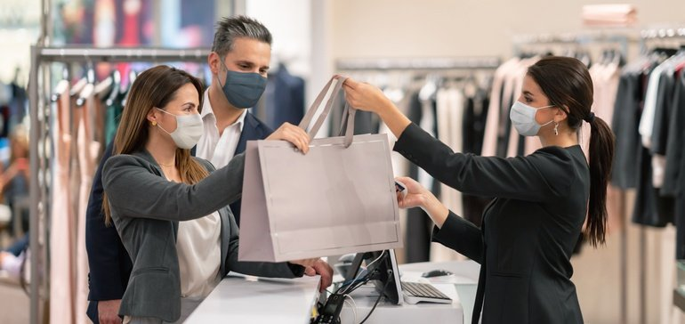 """""""5 signs that retail is going to be OK"""" by Daphne Howland via Retail Dive"""